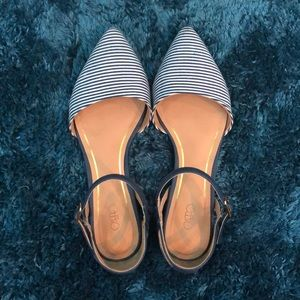 Closed toed buckled flats